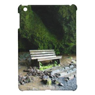 洞窟のベンチ iPad MINIケース