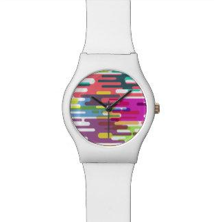 活発でカラフルなラインパターン腕時計 腕時計