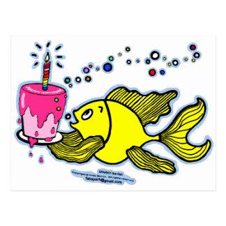 活発なハッピーバースデーケーキおよび蝋燭と ポストカード