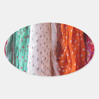 流れる女性スカーフのつるすこと 楕円形シール