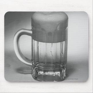 流出ビールガラス マウスパッド