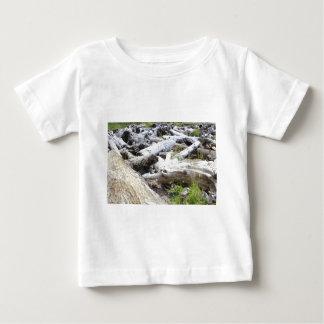 流木の多く ベビーTシャツ
