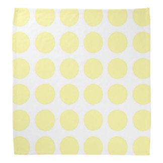 浅い黄色の水玉模様のバンダナ バンダナ