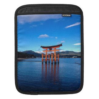 浮遊Torii、宮島、日本 iPadスリーブ