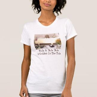 浴槽のTシャツのゴールデン・リトリーバー Tシャツ