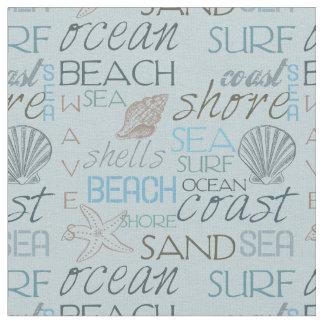 海および波のビーチのタイポグラフィおよび貝 ファブリック