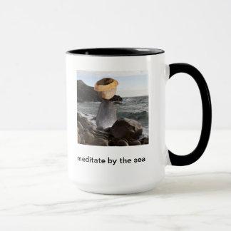 海によってめい想して下さい マグカップ