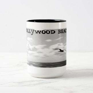 海によるカモメ ツートーンマグカップ