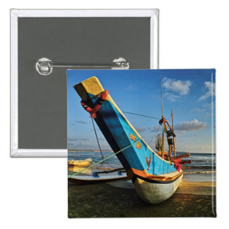 海によるカラフルな漁船 5.1CM 正方形バッジ