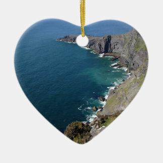 海によるDingleアイルランドのアイルランドの崖 セラミックオーナメント