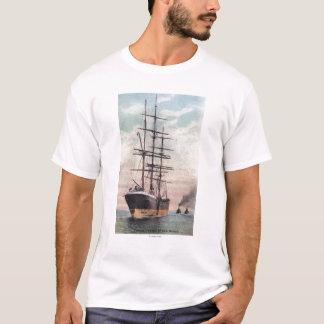 海に船を引くタグボート Tシャツ
