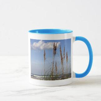 海のオートムギ、波および空 マグカップ