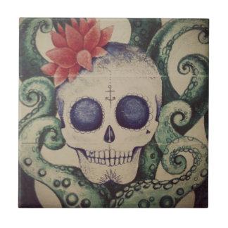 海のスカルの波のタイルの芸術のメキシコ人の入れ墨 タイル