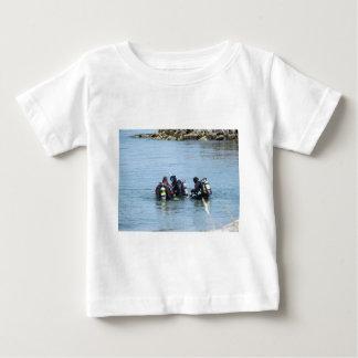 海のダイバー ベビーTシャツ