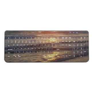 海のビーチは金ゴールド水無線電信のキーボードを振ります ワイヤレスキーボード