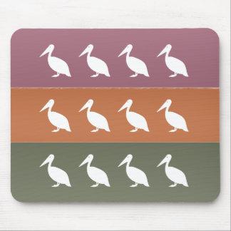 海のビーチ: かわいく白い鳥 マウスパッド