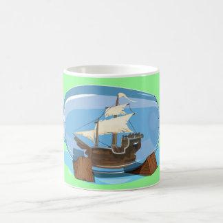 海のボトルの船 コーヒーマグカップ