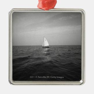 海のヨット メタルオーナメント