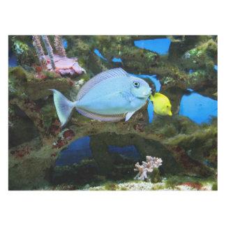 海の青の魚 テーブルクロス