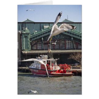 海カモメが付いているジャージーシティーの消防艇 カード