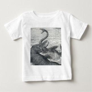 海モンスター対シーサーペント ベビーTシャツ