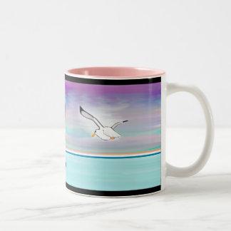 海上のカモメ ツートーンマグカップ