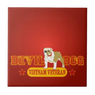 海兵隊員のベトナムの獣医 正方形タイル小