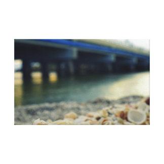海岸による貝殻 キャンバスプリント