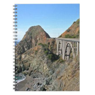 海岸のハイウェー1 -大きい入り江橋 ノートブック