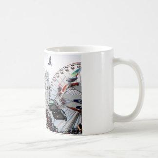 海岸桟橋のマグIII コーヒーマグカップ