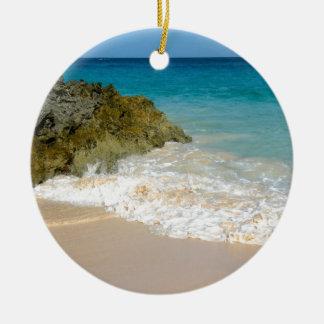 海岸線のバミューダ島のビーチ セラミックオーナメント