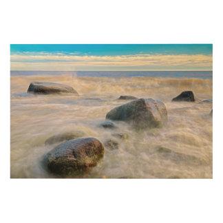 海岸線の石で衝突する波 ウッドウォールアート