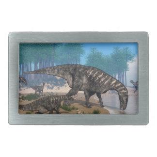海岸線のIguanodonの恐竜の群れ 長方形ベルトバックル