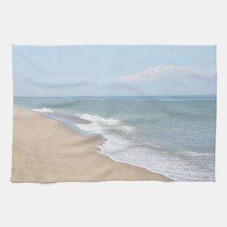 海洋波およびかわいらしいビーチ キッチンタオル