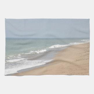 海洋波およびビーチ キッチンタオル
