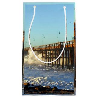 海洋波の嵐桟橋 スモールペーパーバッグ