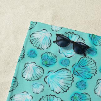 海緑の貝殻パターン ビーチタオル