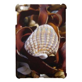 海藻のベッドの貝 iPad MINIケース