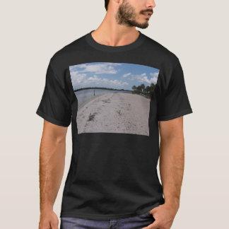 海賊のビーチ#4 Tシャツ