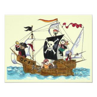 海賊パーティーのテーマの船はジュニアの旗の招待状を航海します カード