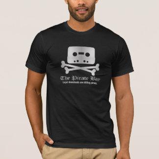 海賊湾の銀の骨が交差した図形のロゴのティー Tシャツ