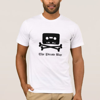 海賊湾の黒の骨が交差した図形のティー Tシャツ