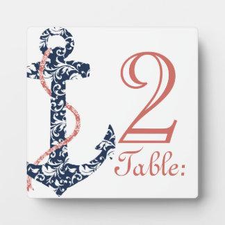 海軍および珊瑚のいかりのビーチ結婚式のテーブル数 フォトプラーク