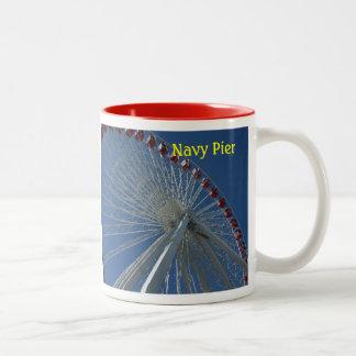 海軍桟橋のマグ ツートーンマグカップ