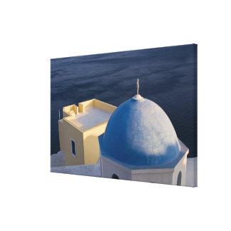 海、Oia Santoriniの近くの正教会 キャンバスプリント