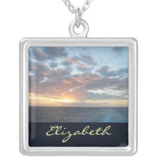 海Iのパステルの海景の日の出 シルバープレートネックレス