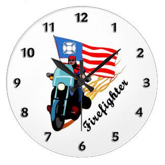消防士のバイクもしくは自転車に乗る人 ラージ壁時計