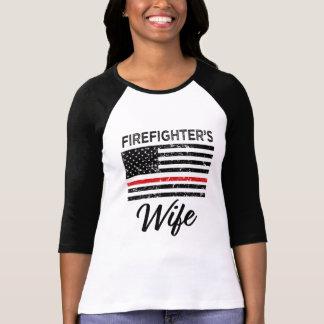 消防士の妻の薄い赤線女性のワイシャツ Tシャツ