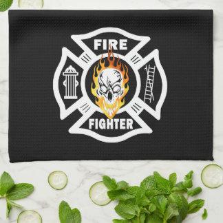 消防士の燃えるようなスカル キッチンタオル