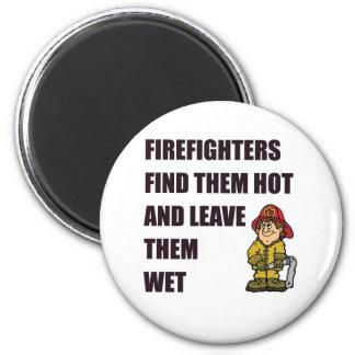 消防士はそれらを熱い見つけます マグネット